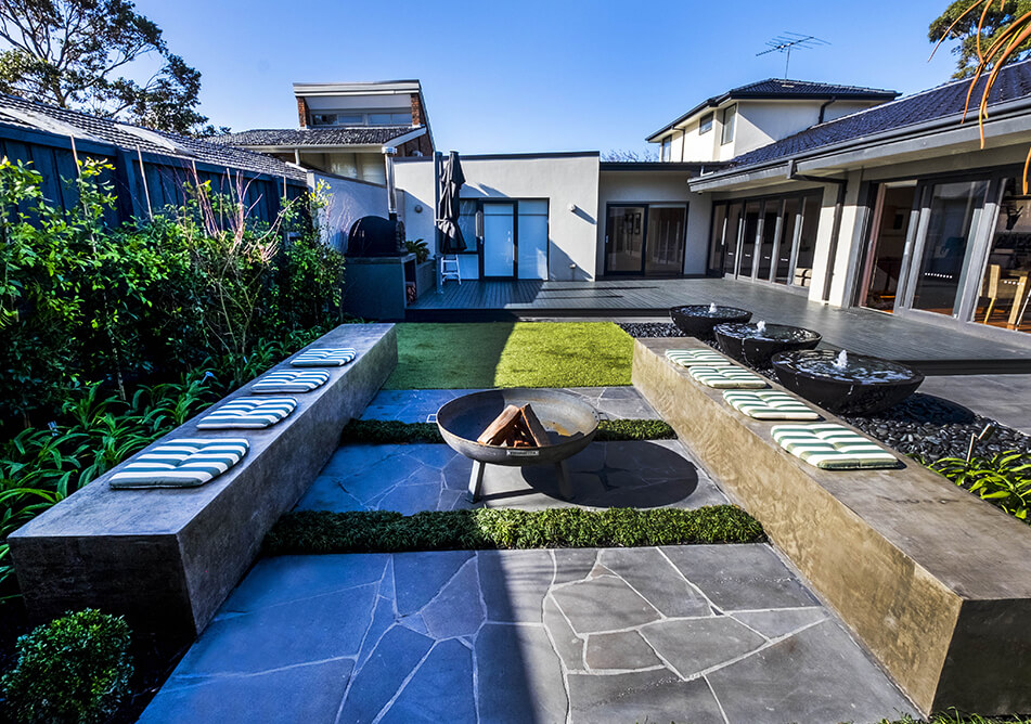 Elwood-Building-entertaining-beaumaris-backyard-feature-Home-Extensions-and-renovations